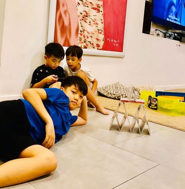 Mùa tránh dịch của rich kid Subeo: 10 tuổi vẫn bày biện chơi đồ hàng, quyết không quên nhiệm vụ quan trọng - Ảnh 3.