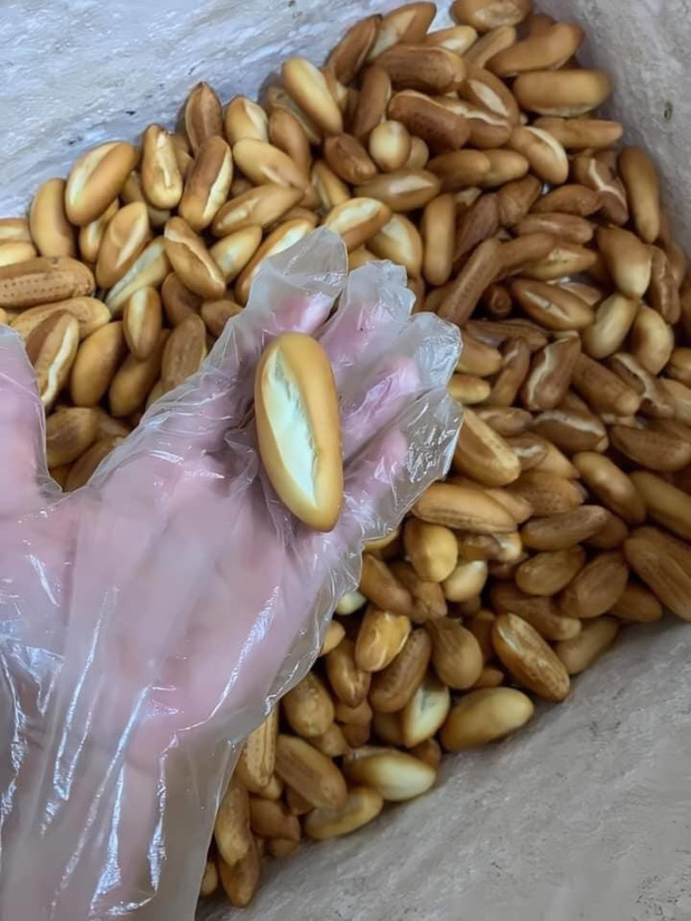 Xuất hiện món bánh mì mini đang hot trên MXH: chỉ dài bằng ngón tay, bon mồm ăn cả chục cái mới đã! - Ảnh 3.