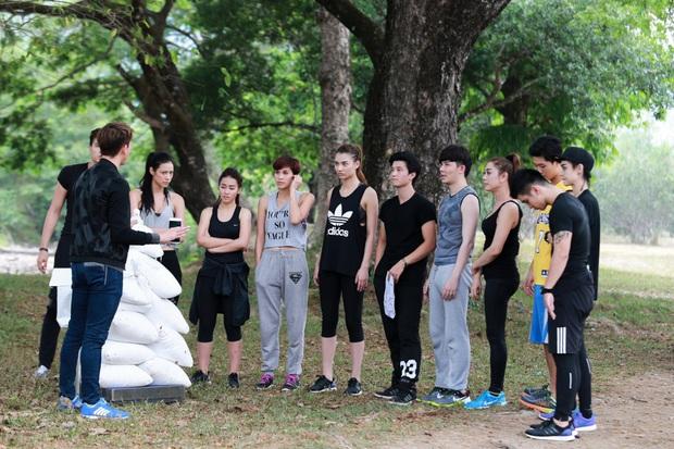 Hồng Quế từng đứng ôm Harry Lu ngay sau lưng Huỳnh Anh trên show thực tế cách đây 5 năm - Ảnh 3.