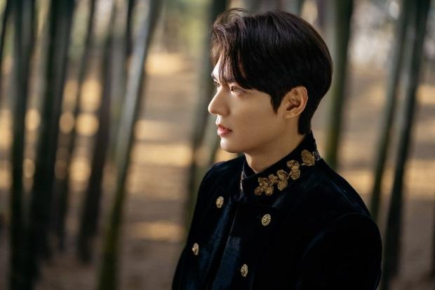 """""""Quân Vương Bất Diệt"""" Lee Min Ho - Bị chê diễn xuất một màu nhưng 10 năm chưa bao giờ hết """"nóng"""" - Ảnh 19."""