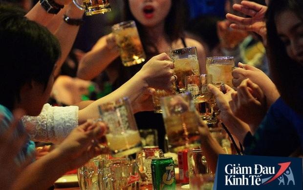 Nielsen: Ngành bia, đồ uống tăng trưởng âm; hơn 60% người tiêu dùng sẽ ăn ở nhà nhiều hơn sau đại dịch  - Ảnh 2.