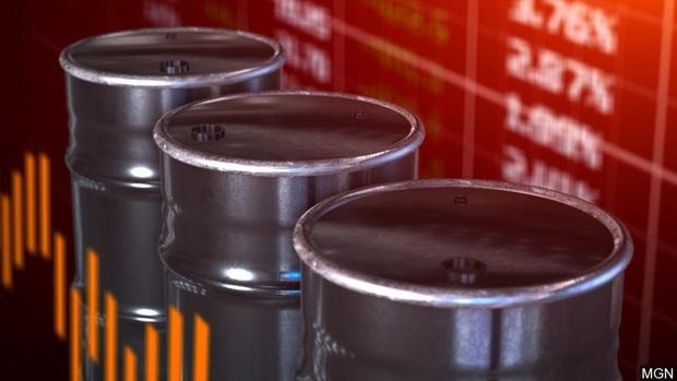 Hiện tượng có 1-0-2 trong lịch sử: Giá dầu thế giới xuống ÂM 660.000 đồng mỗi thùng, vậy liệu chúng ta có được... trả thêm tiền khi đổ xăng? - Ảnh 3.