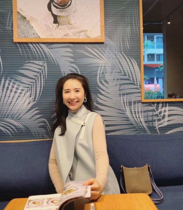 Chân dung phu nhân chủ tịch Taobao vừa công khai dằn mặt Tuesday: Xinh đẹp, thần thái, sở hữu nguyên kho đồ hiệu hoành tráng - Ảnh 4.
