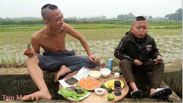 Anh em Tam Mao TV gây bất ngờ với biệt phủ rộng 800m2 tại Ba Vì, Youtuber làm chơi giàu thật là đây? - Ảnh 1.