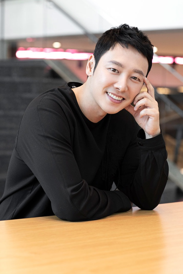 Cặp với Bệ hạ Lee Min Ho, gu của Kim Go Eun ngoài đời lại khác một trời một vực: Có cả ông chú Gong Yoo sexy nhất Kbiz? - Ảnh 4.