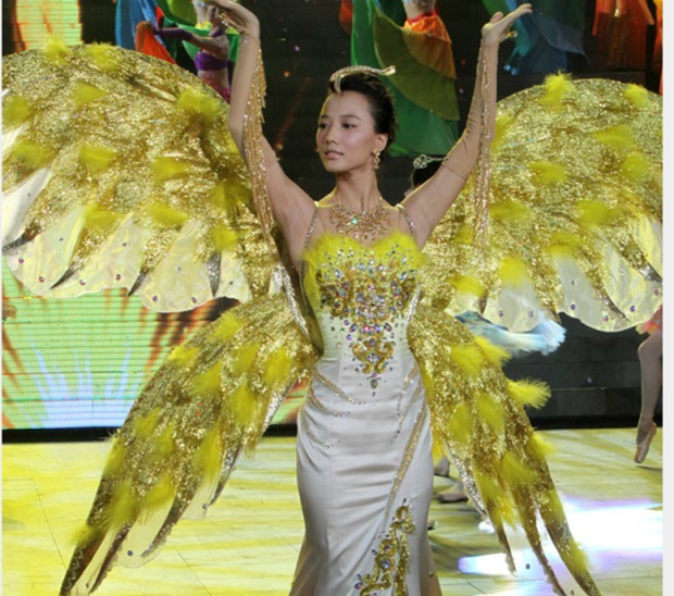 Hội 7 nữ thần Kim Ưng của màn ảnh Hoa ngữ: Đố ai gây tranh cãi bằng Thị Hậu Địch Lệ Nhiệt Ba! - Ảnh 6.