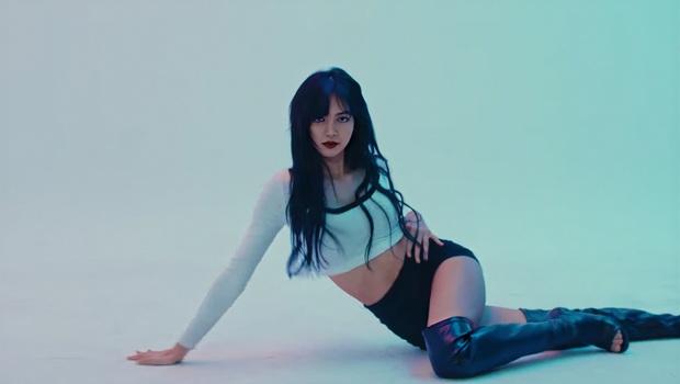 Những sao Kpop cá kiếm từ kênh YouTube cá nhân khủng nhất: Lisa dẫn đầu với thu nhập gấp đôi hạng nhì IU, EXO có 2 thành viên lọt top 10 - Ảnh 3.