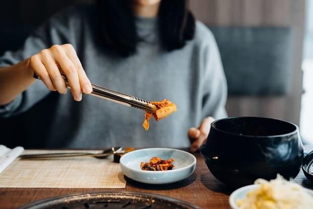 Ung thư vào từ miệng: Các chất tăng khả năng ung thư ẩn trong những món ăn, nhiều người sử dụng sai cách mà không hay biết - Ảnh 4.