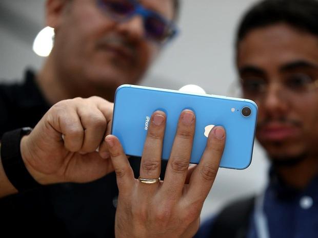 Đọ sức so tài iPhone SE 2020 và iPhone XR: Đâu mới là quả Táo ngon giá rẻ và đáng mua nhất? - Ảnh 1.