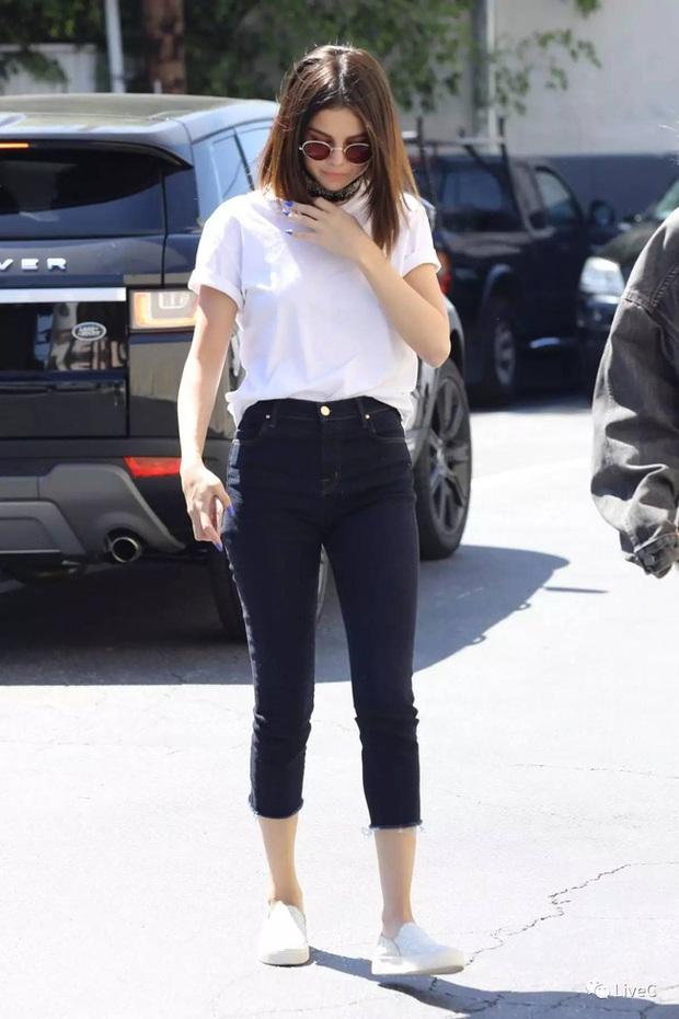 11 bộ cánh giản đơn mà đẹp thần sầu của Selena Gomez, tất thảy các chị em đều có thể đánh đu theo được - Ảnh 10.
