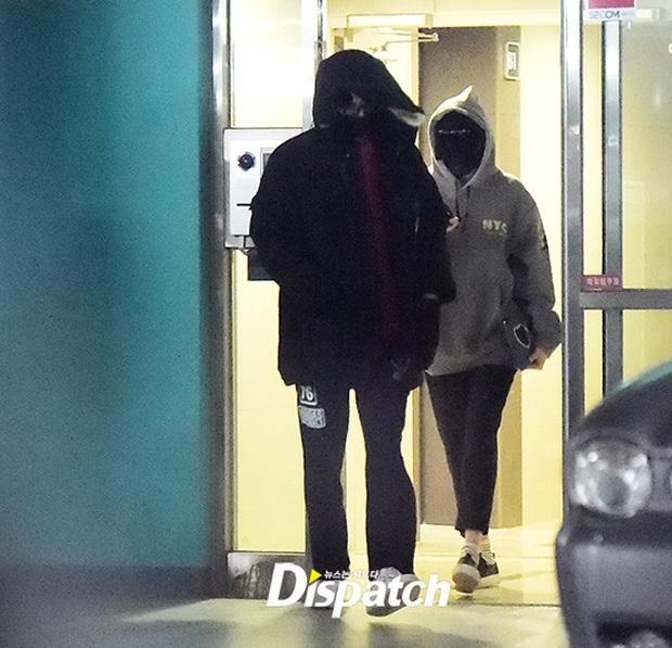 Không phải Dispatch, một fan đang khiến cả MXH Hàn-Trung xôn xao vì bắt tại trận 2 idol nổi tiếng hẹn hò ở sông Hàn - Ảnh 3.
