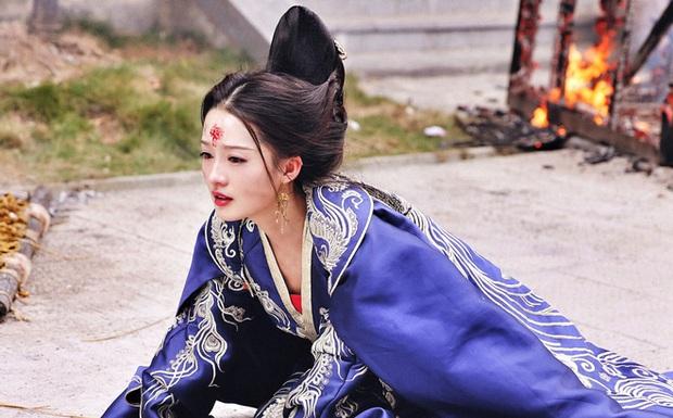 Visual khó quên khi mỹ nhân mặc đồ cổ trang: Lưu Thi Thi - Triệu Lệ Dĩnh đẹp kinh diễm nhưng khó lật đổ Dương Mịch - Ảnh 11.