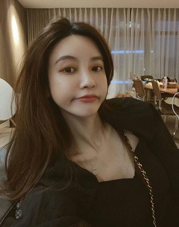Những Tuesday gây ồn ào nhất MXH: Kẻ chen chân vào hôn nhân của chủ tịch Taobao, người đang tâm giật chồng bạn thân - Ảnh 4.