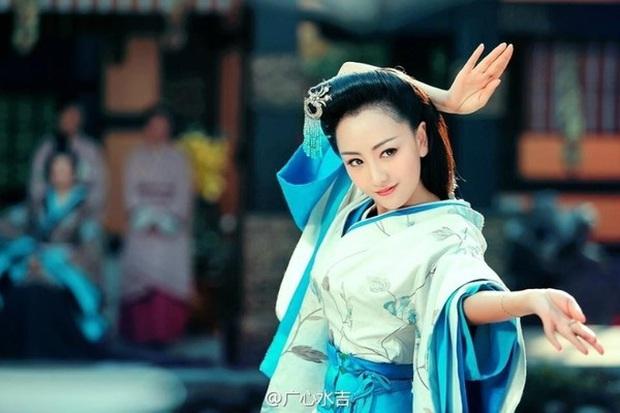 Visual khó quên khi mỹ nhân mặc đồ cổ trang: Lưu Thi Thi - Triệu Lệ Dĩnh đẹp kinh diễm nhưng khó lật đổ Dương Mịch - Ảnh 14.