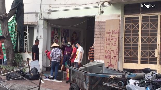 Clip: Các quán ăn ở Hà Nội và TP.HCM tất bật chuẩn bị để có thể buôn bán lại sau khi được nới lỏng cách ly xã hội - Ảnh 3.