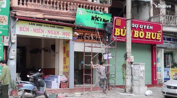 Clip: Các quán ăn ở Hà Nội và TP.HCM tất bật chuẩn bị để có thể buôn bán lại sau khi được nới lỏng cách ly xã hội - Ảnh 5.