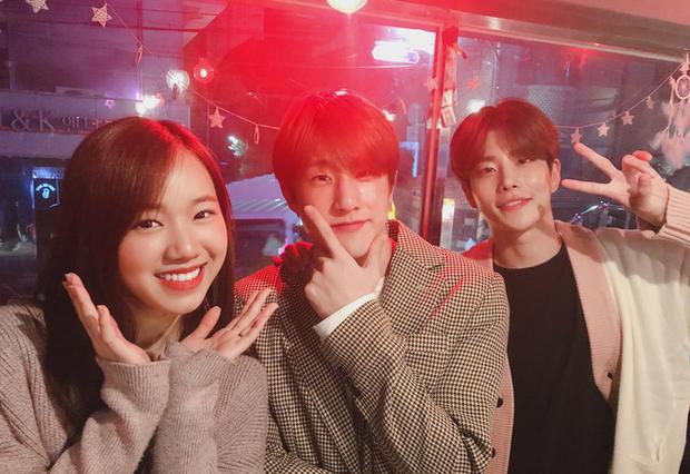 Meichan - cô bạn người Việt làm việc cùng Lisa trong video dance gây bão: Hồi hộp khi tự tay chỉnh mái cho Lisa, tiết lộ nữ idol siêu thân thiện và chuyên nghiệp - Ảnh 10.