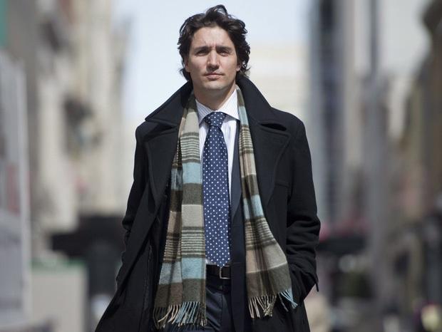 Thủ tướng Canada và cú vuốt tóc đi vào lòng người: Tút lại vẻ phong độ, quyến rũ chỉ sau 1 nốt nhạc! - Ảnh 2.