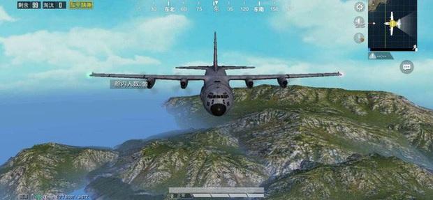 Phát hiện ra thảm họa chết người của máy bay trong PUBG Mobile, game thủ khuyến cáo nên nhảy dù càng sớm càng tốt - Ảnh 1.