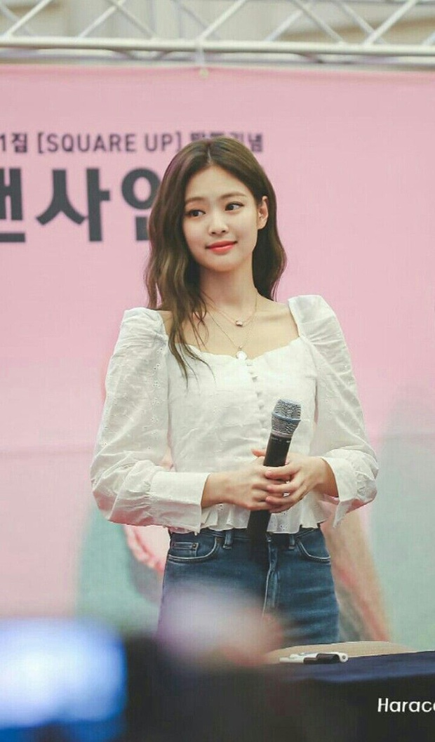 Áo sơ mi trắng có nhạt cỡ nào thì vào tay các mỹ nhân Hàn cũng ra được những set đồ đẹp mê ly - Ảnh 1.