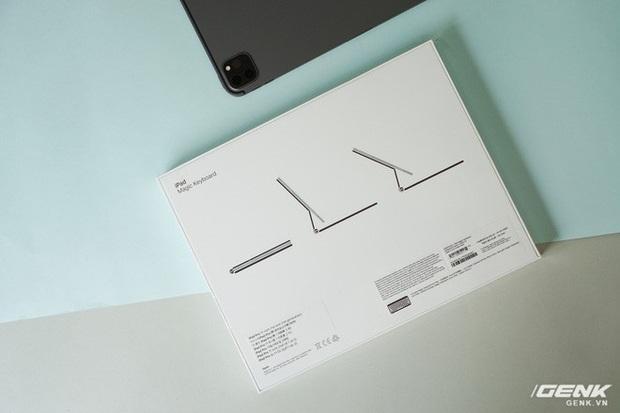 Táy máy bàn phím Magic Keyboard hơn 10 củ cho iPad Pro: Rất nặng, lắp vào dày hơn MacBook, bù lại gõ rất sướng tay - Ảnh 2.