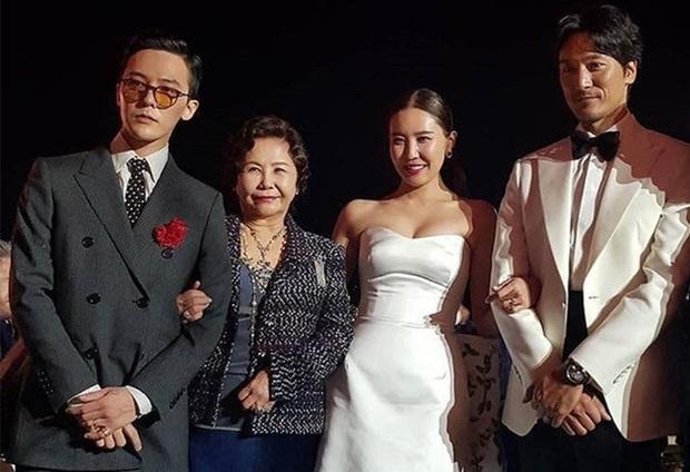 Những chàng trai vàng trong làng đi đám cưới: Lee Min Ho, Hyun Bin làm lu mờ cả chú rể, gây chú ý nhất là cặp đôi này trong hôn lễ của Song - Song - Ảnh 10.