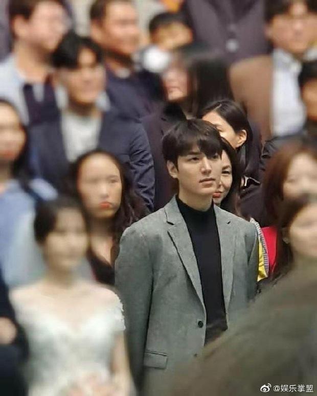 Những chàng trai vàng trong làng đi đám cưới: Lee Min Ho, Hyun Bin làm lu mờ cả chú rể, gây chú ý nhất là cặp đôi này trong hôn lễ của Song - Song - Ảnh 8.