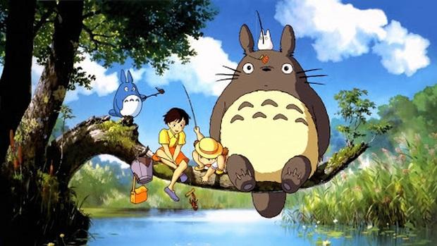 Luật Trời lộ sạn siêu ngớ ngẩn, Totoro xuyên không xuất hiện phía sau lưng dì Trang mỏ đỏ? - Ảnh 4.