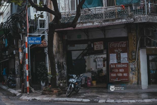 Phở đã bán, xôi đã mở, người Hà Nội mong lắm bữa quà sáng nóng hổi sau chuỗi ngày cách ly - Ảnh 18.