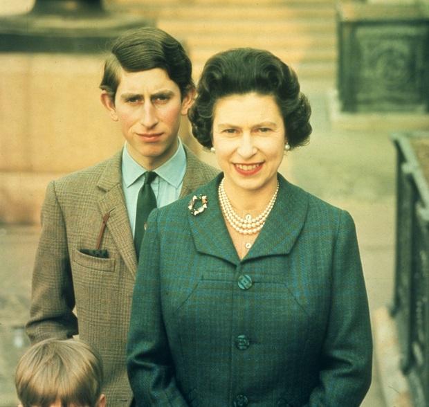 Cuộc đời Nữ hoàng Elizabeth II qua ảnh: Vị nữ vương ngồi trên ngai vàng lâu nhất trong lịch sử các vương triều của nước Anh - Ảnh 12.