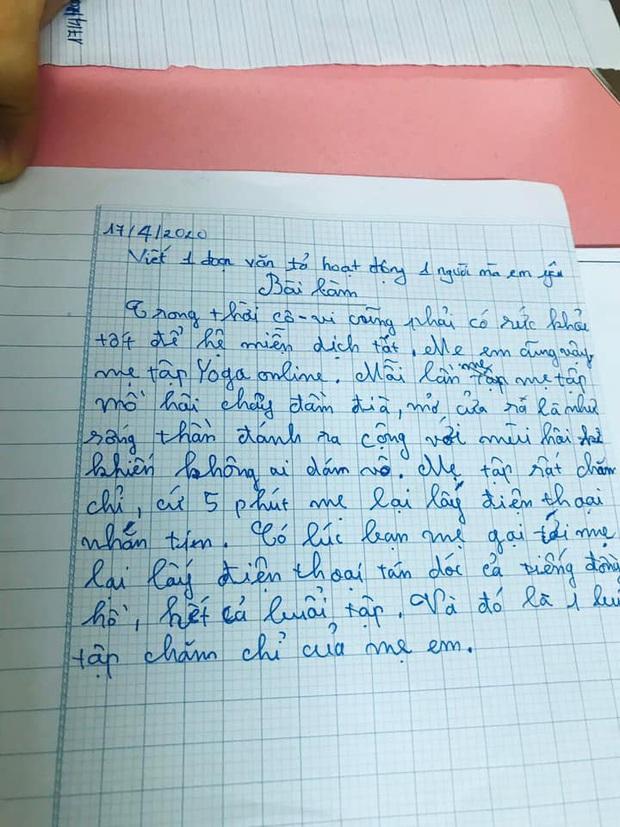 Nghỉ dịch nhưng mẹ bắt làm bài tập, cậu học trò viết văn bóc phốt mẹ, miêu tả bản thân tóc dài đến mức không biết được gái hay trai - Ảnh 2.