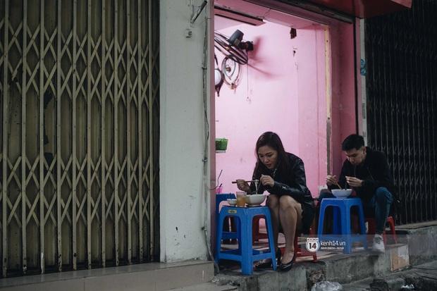 Phở đã bán, xôi đã mở, người Hà Nội mong lắm bữa quà sáng nóng hổi sau chuỗi ngày cách ly - Ảnh 3.