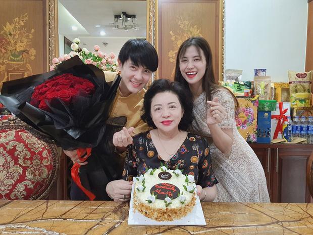 Đọ khoản nịnh chồng của dàn mỹ nhân Vbiz: Hari Won tặng hàng hiệu xa xỉ, Đông Nhi đúng chuẩn người vợ mẫu mực - Ảnh 22.