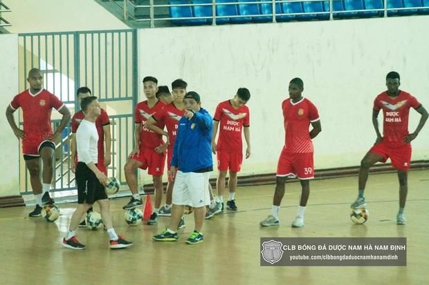 Các CLB V.League lên kế hoạch tập trung trở lại sau khi kết thúc giãn cách xã hội - Ảnh 3.