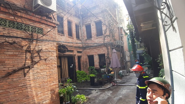 Cơ sở spa ở trung tâm Sài Gòn bị cháy trong ngày đầu nới lỏng cách ly xã hội - Ảnh 3.
