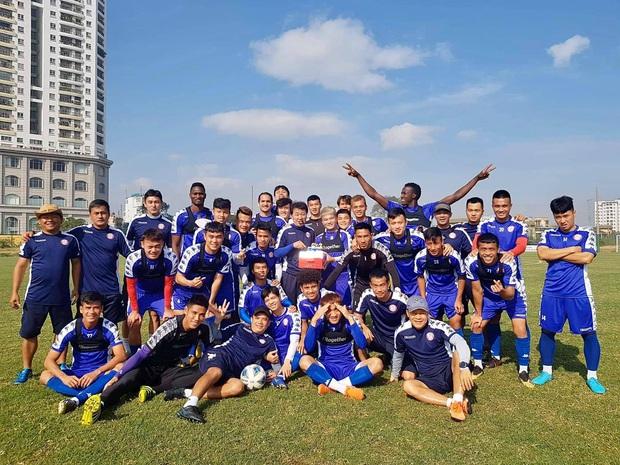 Các CLB V.League lên kế hoạch tập trung trở lại sau khi kết thúc giãn cách xã hội - Ảnh 1.