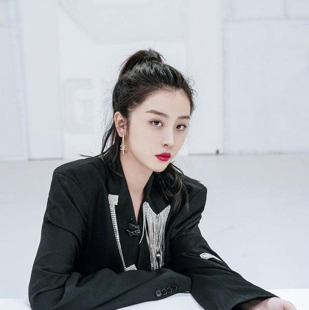Fan chơi khô máu đưa idol debut: Lưu Vũ Hân nhận tới 17 tỷ đồng tiền quyên góp, bỏ xa Thánh lố phát cuồng vì Lisa - Ảnh 13.