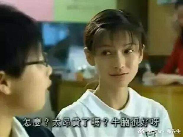 Nhan sắc năm 17 tuổi của Angela Baby lại gây tranh cãi: Có hay không việc trùng tu sắc đẹp? - Ảnh 3.