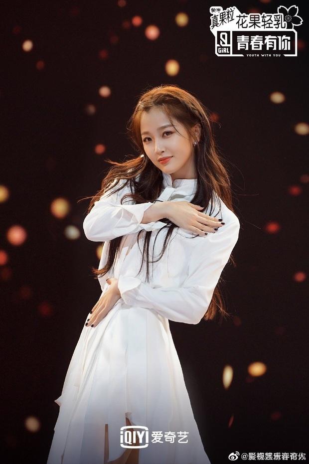 Fan chơi khô máu đưa idol debut: Lưu Vũ Hân nhận tới 17 tỷ đồng tiền quyên góp, bỏ xa Thánh lố phát cuồng vì Lisa - Ảnh 9.