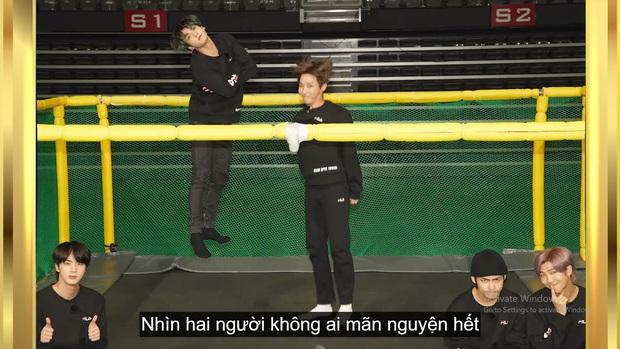 Kỷ niệm tập 100 của show thực tế riêng, BTS chơi đánh cầu bằng chảo và tạo một loạt meme khiến fan cười ngất - Ảnh 9.