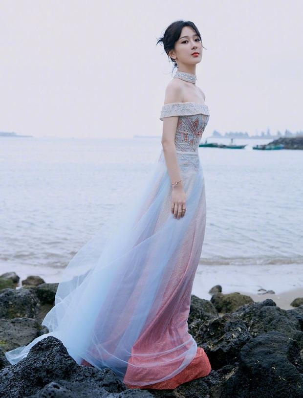 Đẳng cấp mỹ nhân Cbiz diện váy lấp lánh: Angela Baby đẹp tựa cổ tích, Nhiệt Ba - Dương Tử thăng hạng visual vùn vụt - Ảnh 8.