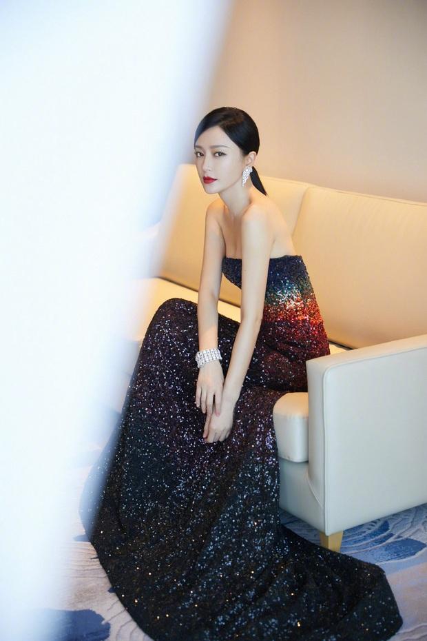 Đẳng cấp mỹ nhân Cbiz diện váy lấp lánh: Angela Baby đẹp tựa cổ tích, Nhiệt Ba - Dương Tử thăng hạng visual vùn vụt - Ảnh 13.