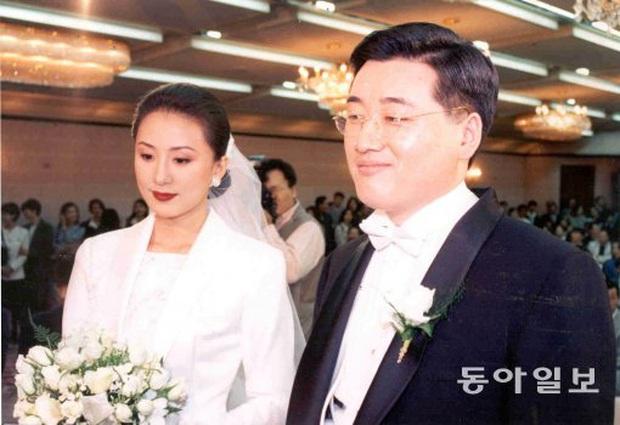Bà cả Thế giới hôn nhân Kim Hee Ae: Ảnh hậu lấy Bill Gates xứ Hàn, con học trường quốc tế, U55 vẫn gây sốc vì cảnh 18+ - Ảnh 19.