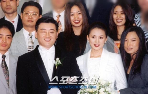 Bà cả Thế giới hôn nhân Kim Hee Ae: Ảnh hậu lấy Bill Gates xứ Hàn, con học trường quốc tế, U55 vẫn gây sốc vì cảnh 18+ - Ảnh 20.