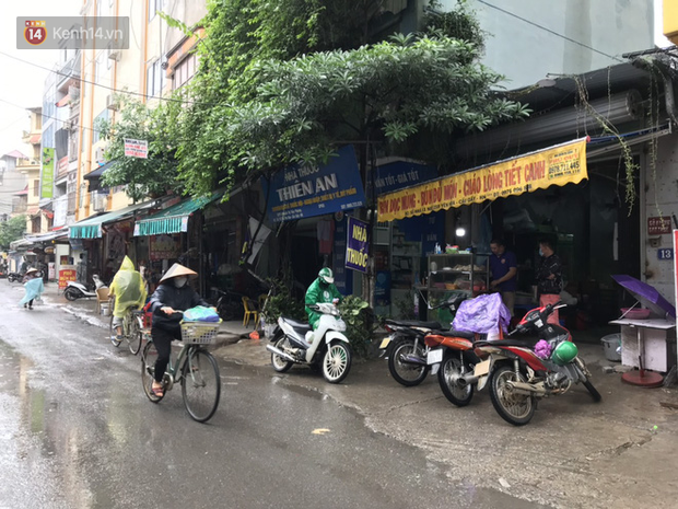 Hà Nội: Hàng quán đồng loạt mở cửa sau ngày đầu thực hiện nới lỏng cách ly xã hội do dịch bệnh COVID-19 - Ảnh 4.