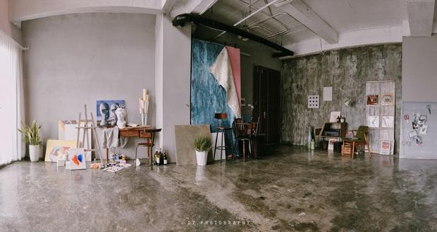 Nhà đi thuê phiên bản cao cấp của admin Nghiện nhà: Căn duplex rộng 250m2, ngày nào cũng tự sơn sửa đến tận nửa đêm - Ảnh 4.