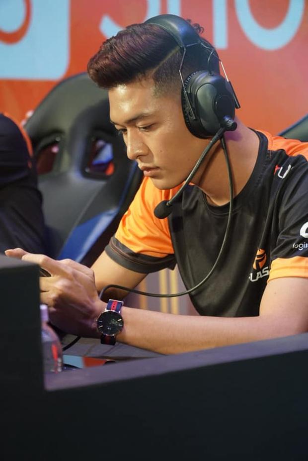 Không chỉ là giải đấu eSports số 1 Việt Nam, Đấu trường Danh vọng còn là nơi quy tụ cả rừng game thủ soái ca - Ảnh 3.