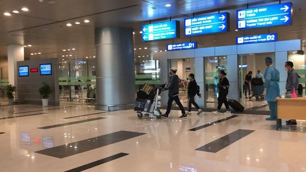 Sân bay Cần Thơ đón 215 công dân từ Singapore về nước - Ảnh 2.