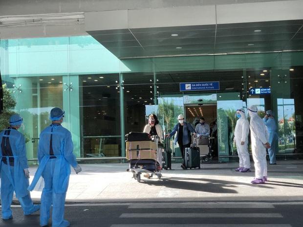 Sân bay Cần Thơ đón 215 công dân từ Singapore về nước - Ảnh 5.