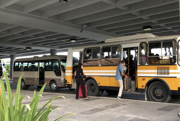 Sân bay Cần Thơ đón 215 công dân từ Singapore về nước - Ảnh 7.